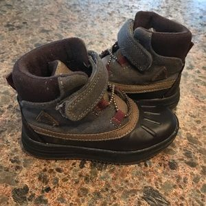 Carter's Toddler Boy Size 7 Snow Boots